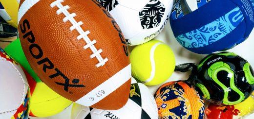 Ballspiele, Fußbälle, Basketbälle, Neoprenbälle, Volleybälle, Leichtbälle